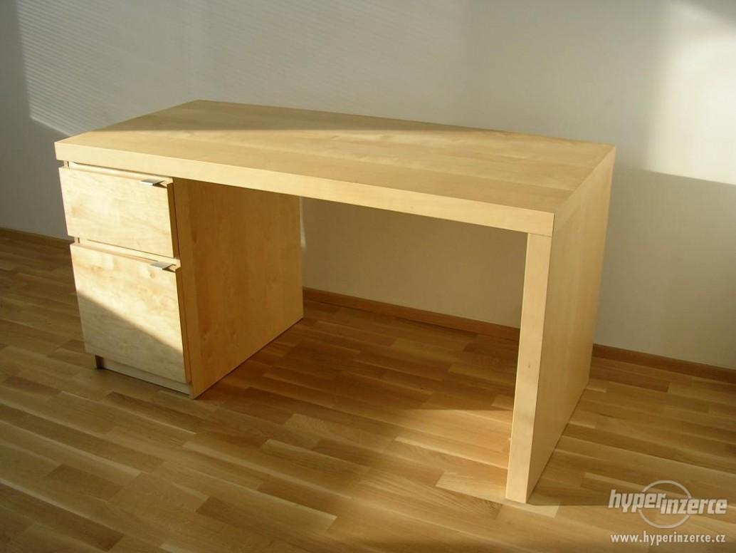 Psací stůl IKEA JONAS bříza dýha - Praha, inzerce, prodám