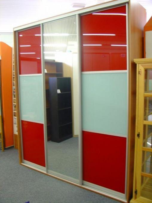 vestavěné skříně a nábytek z lamina   Nábytek LÁDVÍ Praha 19
