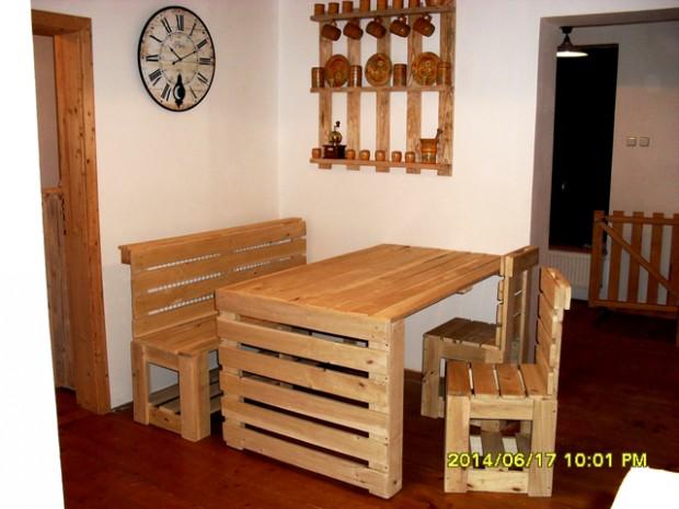 Stoly - stolky | Jídelní stůl z palet Petr | Dřevěný nábytek v ...