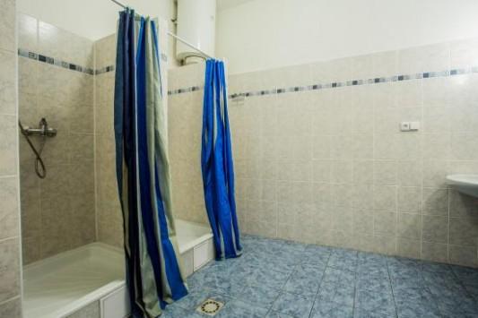 Koupelny Kemp Formule Děčín - obrázek zařízení Hotel Formule, Děčín ...