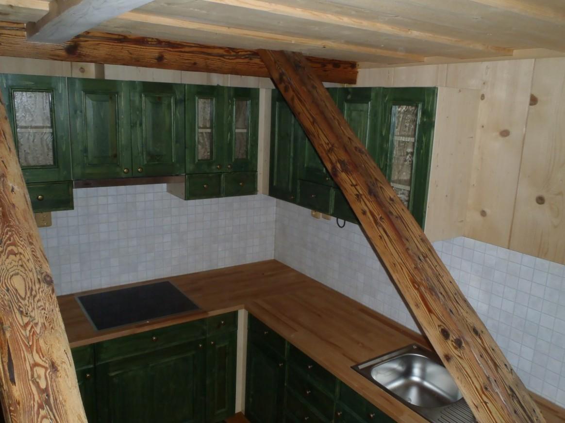 Kuchyňské linky do 65 apartmánů - stylová chalupa Šumava   Kuchyňské ...