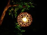 Zahradní světla s dřevěná lampa což je velmi jedinečné