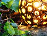 Zahradní osvětlení a jeho výběr: Unikátní a zajímavé ručně vyráběné dřevěné lampy