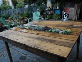 Stůl na zahrádku