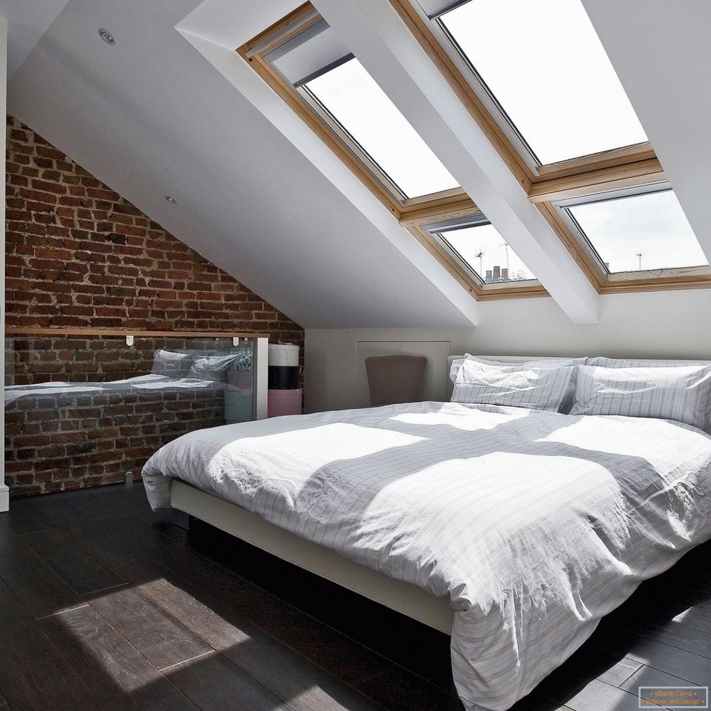 Návrh moderní ložnice v podkroví: 17 fotografických příkladů