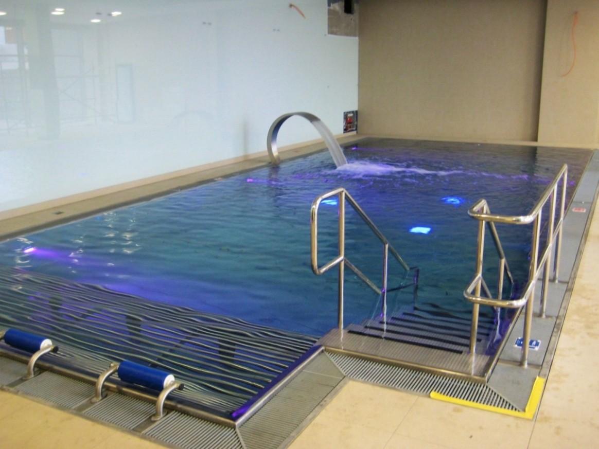 Vnitřní bazén v Petříkovicích