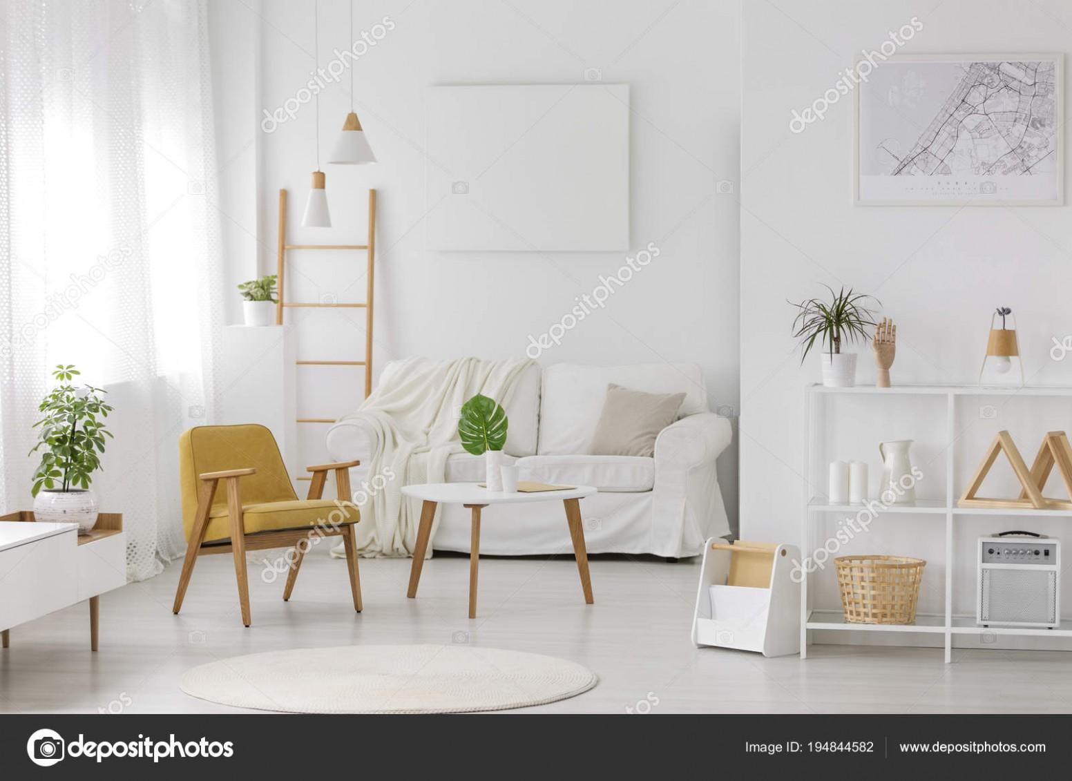 Pokoj zařízený, útulný interiér — Stock Fotografie ...