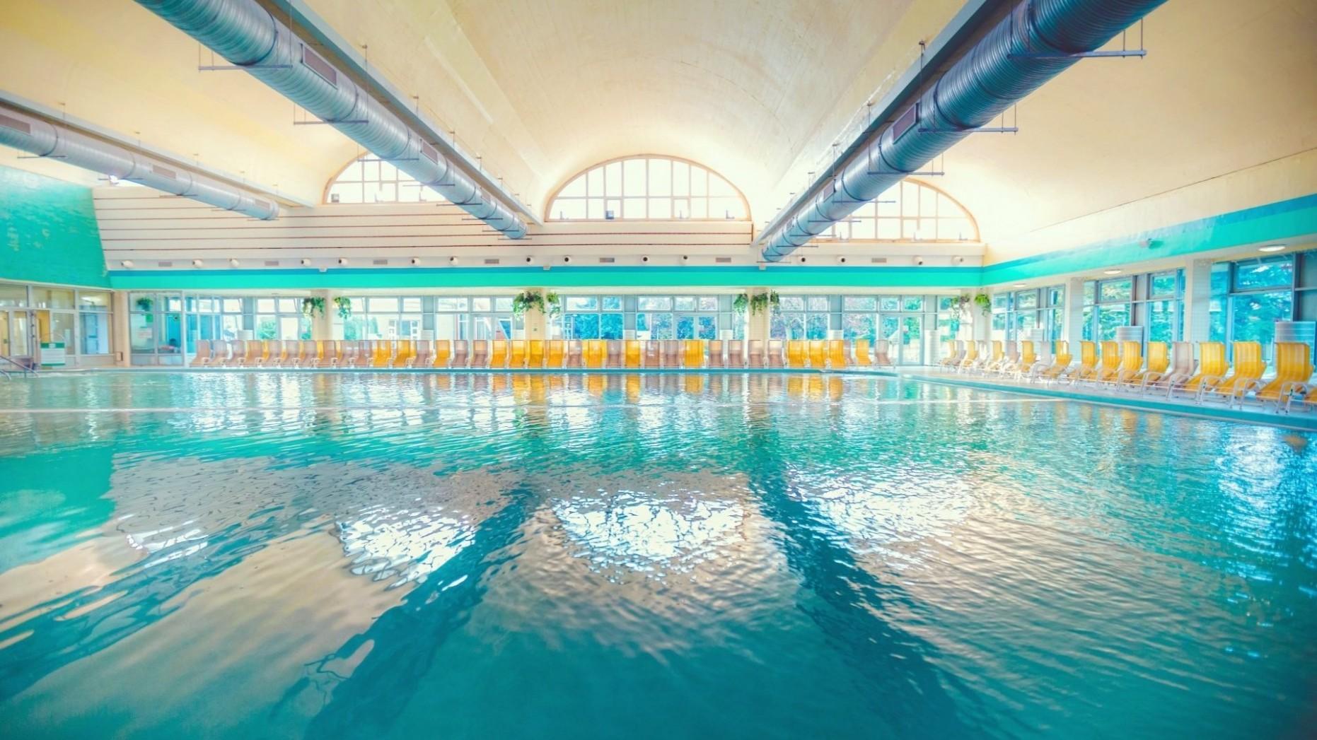 Velký vnitřní léčivý bazén 34. - Medence - Bükfürdő