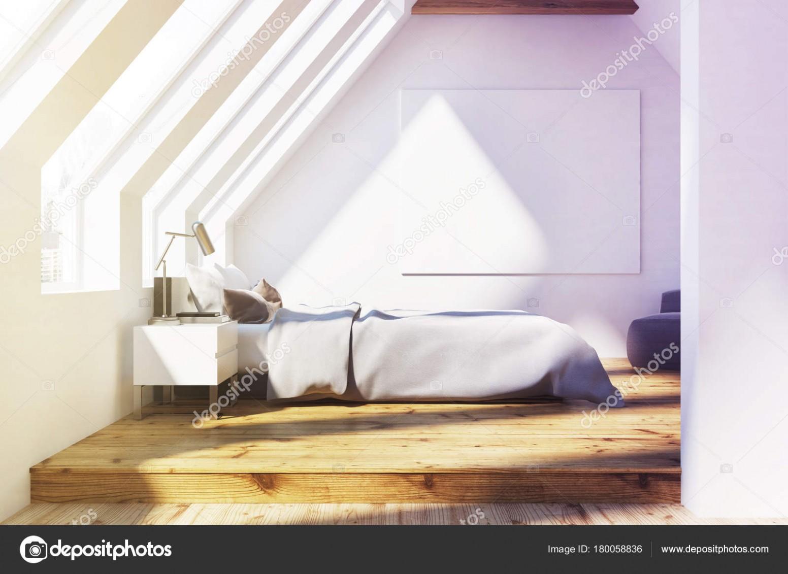 Bílá podkrovní ložnice, dřevěný strop, plakát — Stock ...