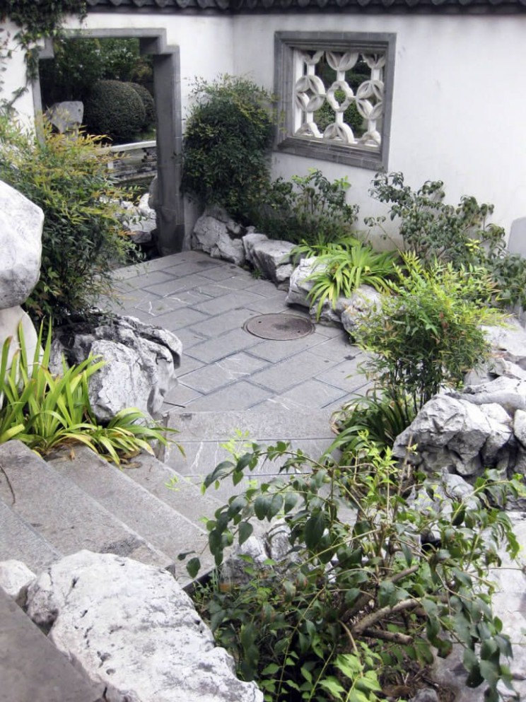 19 Backyard Rock Garden Ideas