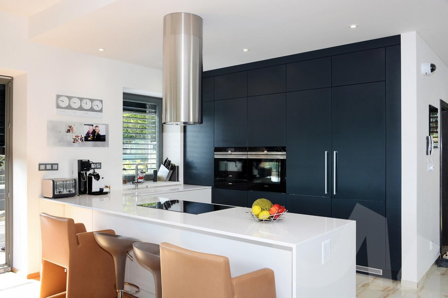 18 tipy pro pohodlné a moderní zařízení kuchyně na míru ...
