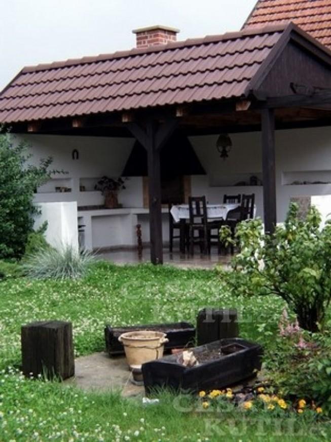 Zahradní kuchyně s posezením - Český kutil.cz
