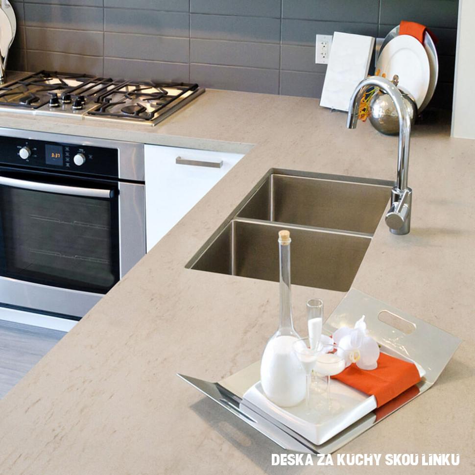 Deska za kuchyňskou linku